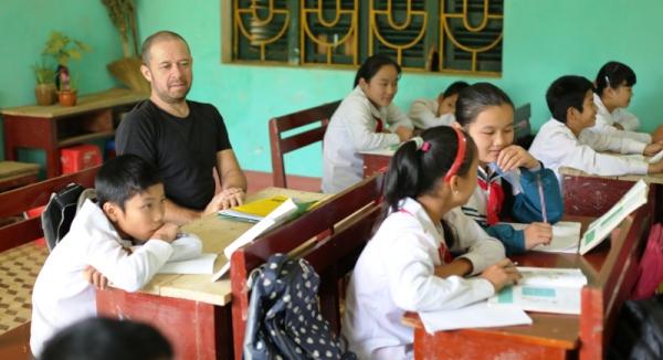 UNIS teacher to Pu Bin